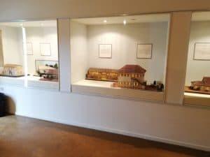 מודל בניין עיריה ישן במוזיאון פתח תקווה