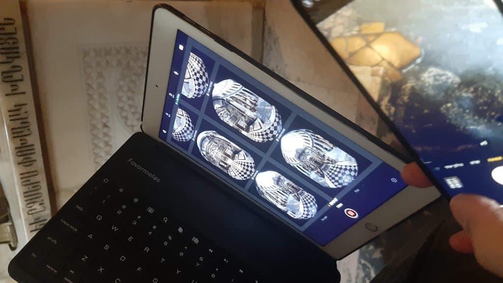 טאבלט המשמש כמוניטור וממשק הפעלה למצלמת 360