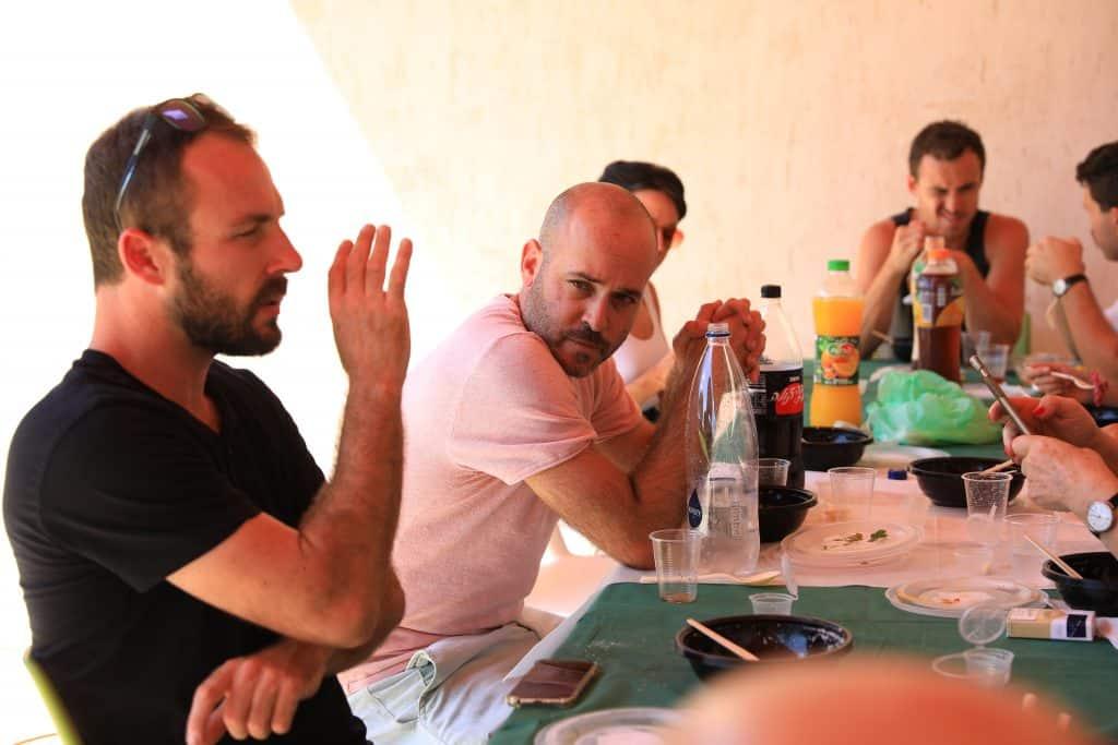 break for lunch יום צילום סרט וי אר מוזיאון ויצמן